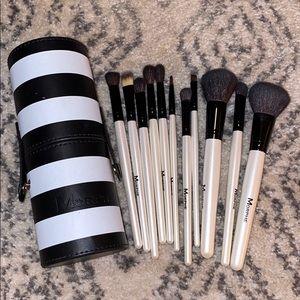 MORPHE Makeup Brush Kit.